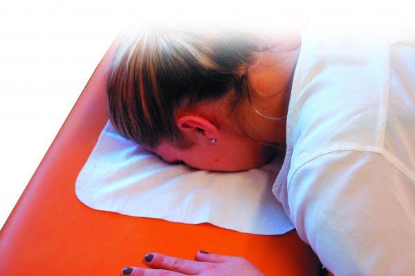 Nasenschlitztuch aus Flanell Farbe: weiß